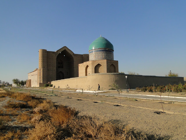 2-the-mausoleum-of-khoja-ahmed-yasavi